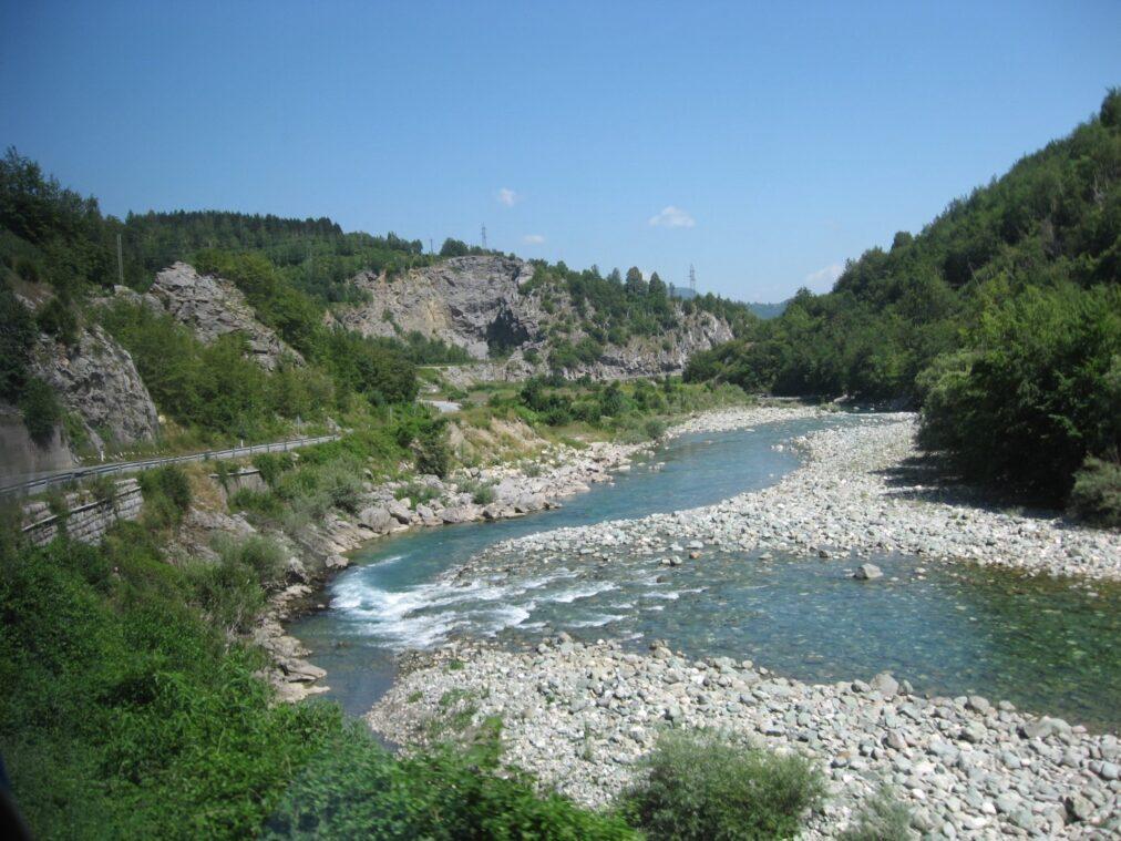 Струмочок в каньйоні річки Тара