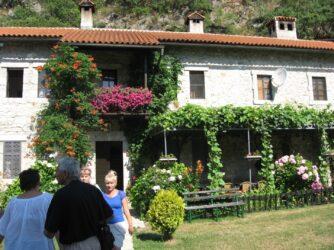 Будівлі в монастирі Морача