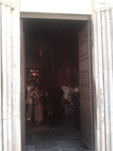 Церква Успіння Божої Матері вхід до церкви
