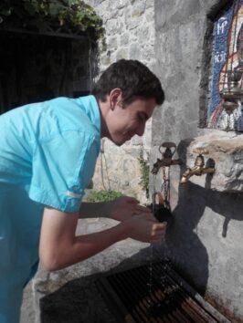 Целебный источник в монастыре Морача