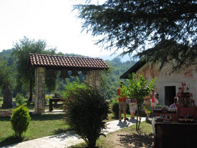 Монастирська дзвіниця в Морача