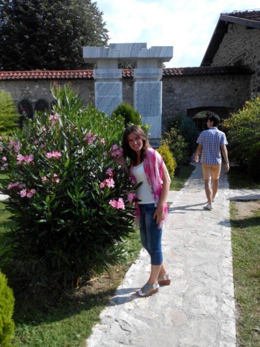 Стежки в гірському монастирі Морача