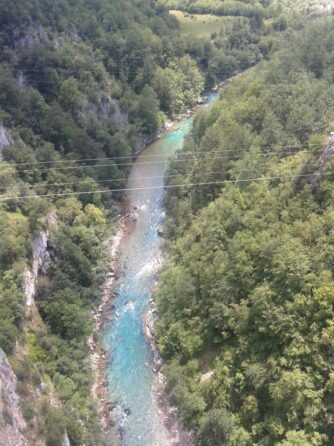 Река Тара. Другая сторона моста Джурджевича