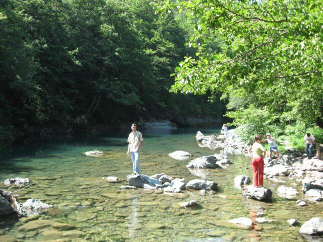 Парень у реки Тара