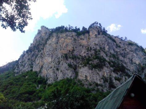 Природа в каньйонах. Скелі.