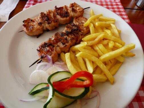 Ражничі із ресторану в Чорногорії