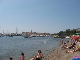Вид с пляжа на Старый город