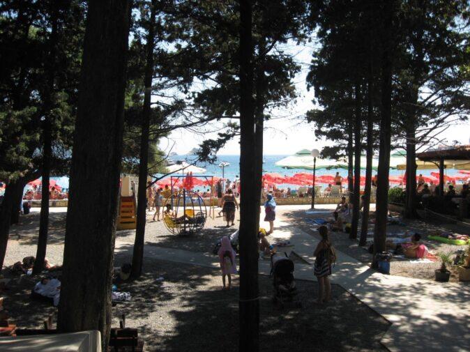 Тінисті парки на Слов'янському пляжі