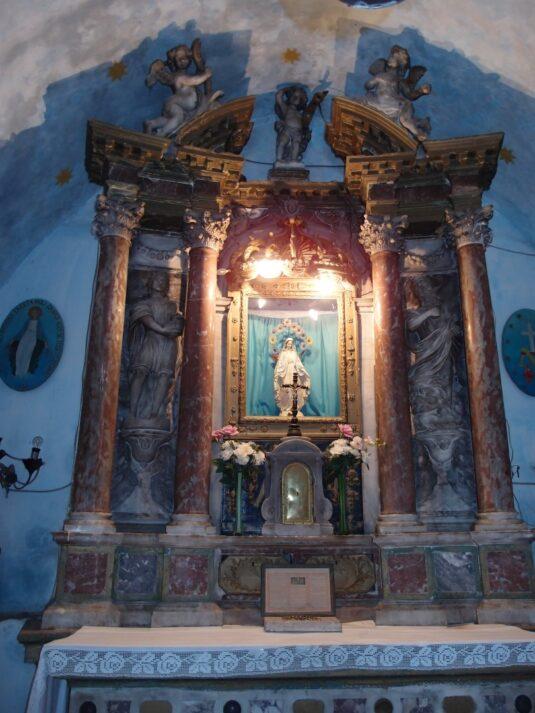 Церкви на крепостной стене Котора