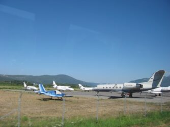 Взлетная полоса аэропорта Тиват