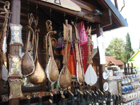 Сувеніри та покупки в Чорногорії
