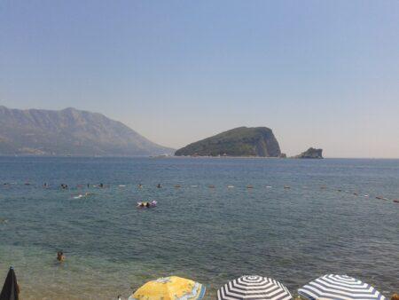 Какое море в Черногории - красивое фото