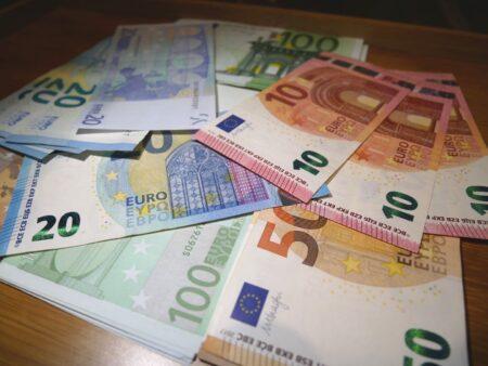 Які гроші брати в Чорногорію