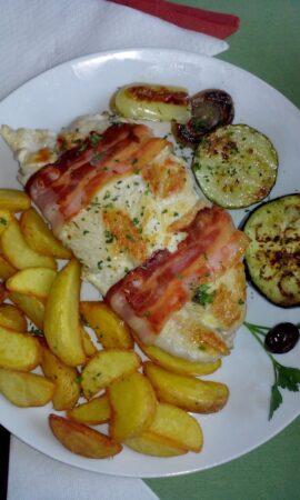 Харчування і їжа в Чорногорії - негушський стейк