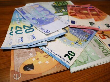 Сколько денег взять в Черногорию