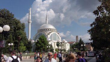 Мечеть в Тиране