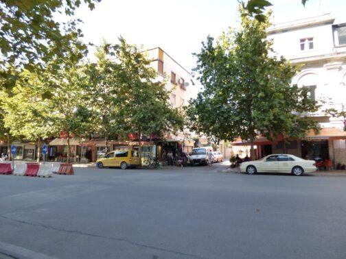 Улочки в городе Тирана, столице Албании