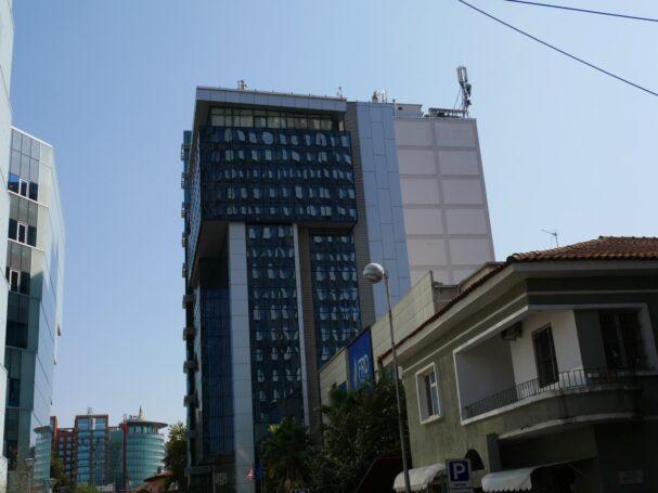 Здания в Тиране, Албания