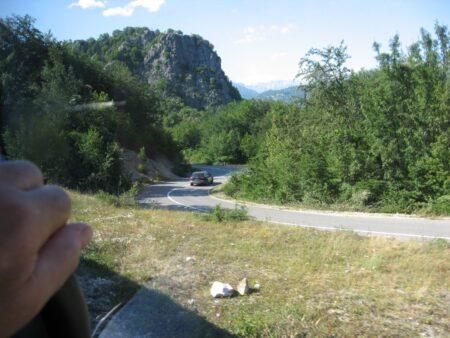Извилистая дорога в Черногории