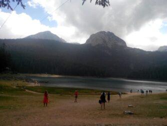 Чорне озеро в парку Дурмітор - природа в Чорногорії