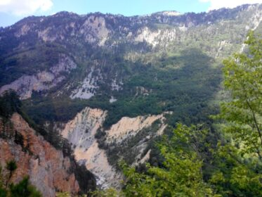 Фантастичні краєвиди природи в Чорногорії