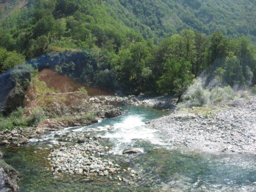 Гірські річки в каньйонах Чорногорії