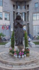 Мать Тереза в Албании