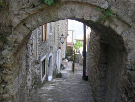 Ульцинь, вуличка в місті