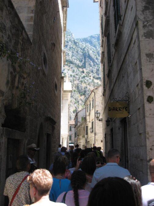 Вузькі вулички середньовічного міста