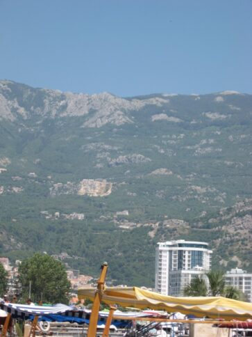 Захватывающий вид на горы