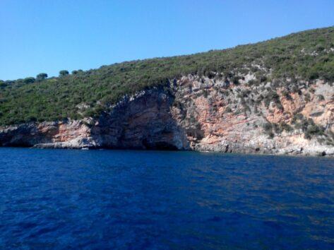 Море возле Голубой пещеры