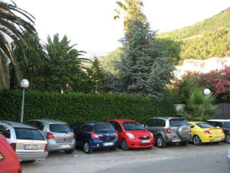 Автопарк в Черногории