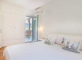 Спальня на черногорской вилле