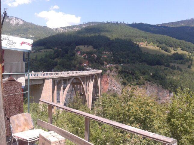 Знаменитый мост Джурджевича в Черногории