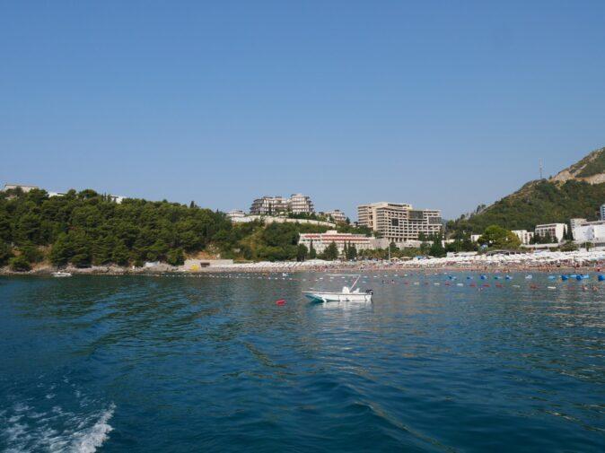 Популярные пляжи Черногории