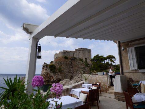 Ресторан за фонтаном Амерлинга в Дубровнике, Хорватия