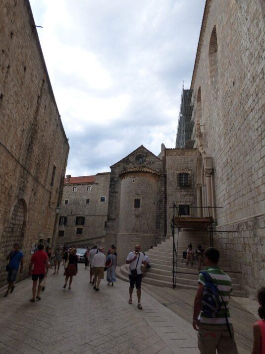 Ступени к Доминиканскому монастырю в Дубровнике, Хорватия