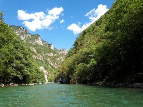 Красивые пейзажи реки Тара