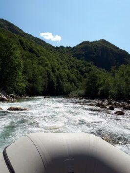 Пороги во время сплава по Таре, Черногория