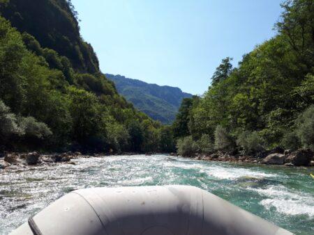 Рафтинг — самая экстремальная экскурсия Черногории