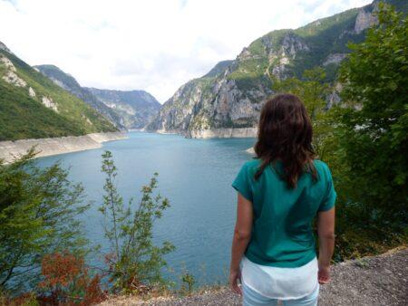 Вид на Пивское озеро, Черногория