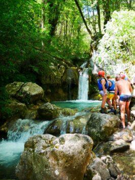 Водопад во время сплава по реке Тара, Черногория