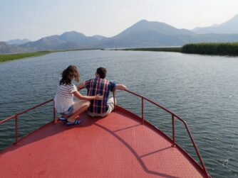 Катание на кораблике по Скадарскому озеру
