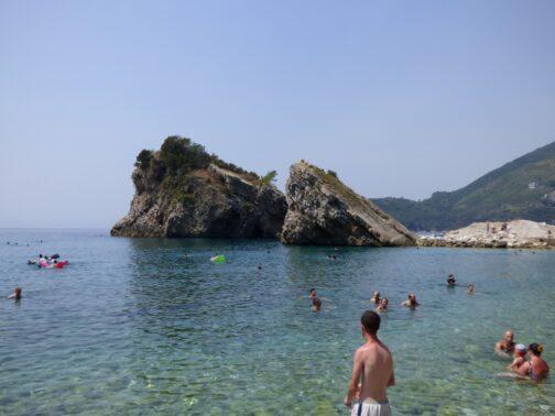 Пляж на острове Святого Николая