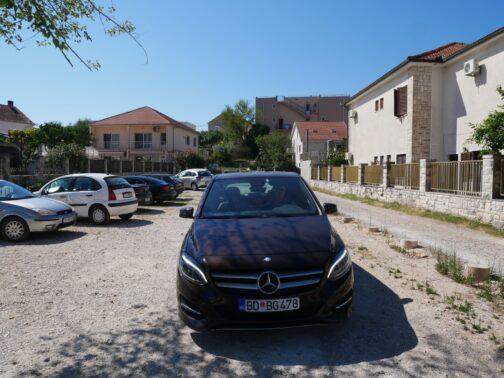 Арендованный нами в Черногории мерседес