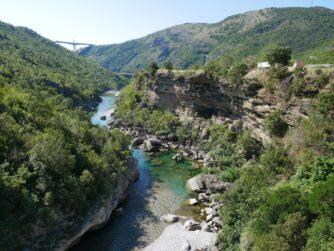 Початок каньйону річки Морача