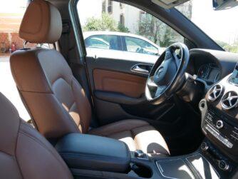 Рычажок с переключением передач на руле, аренда авто в Черногории