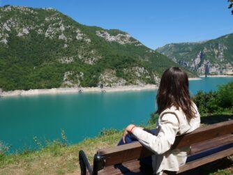 Вид на Пивское озеро