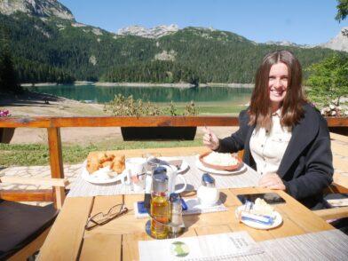 Завтрак с потрясающим видом