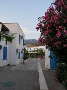 Уютные улочки в отеле Александр